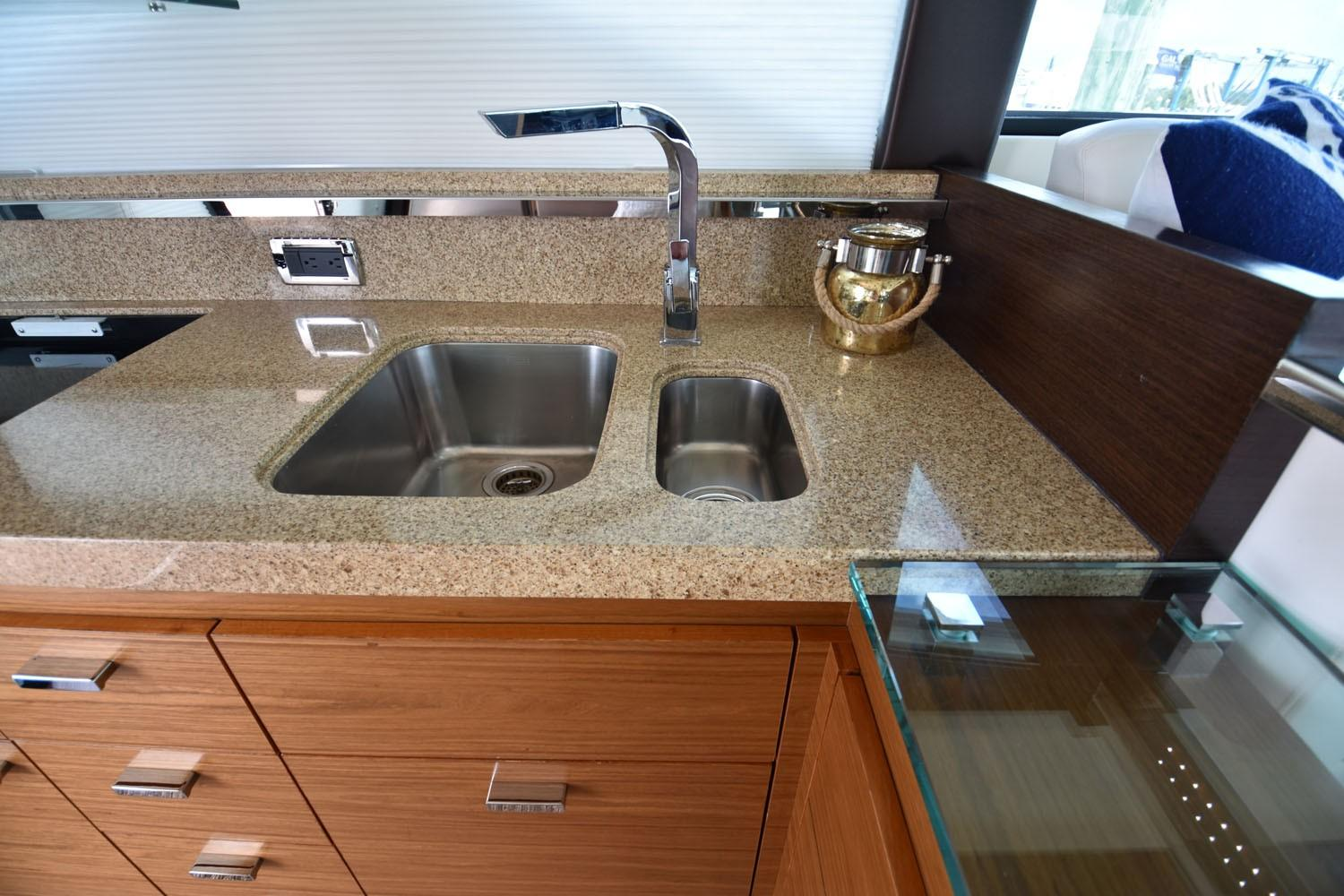 2014 Tiara 5000 Coupe Galley Sink
