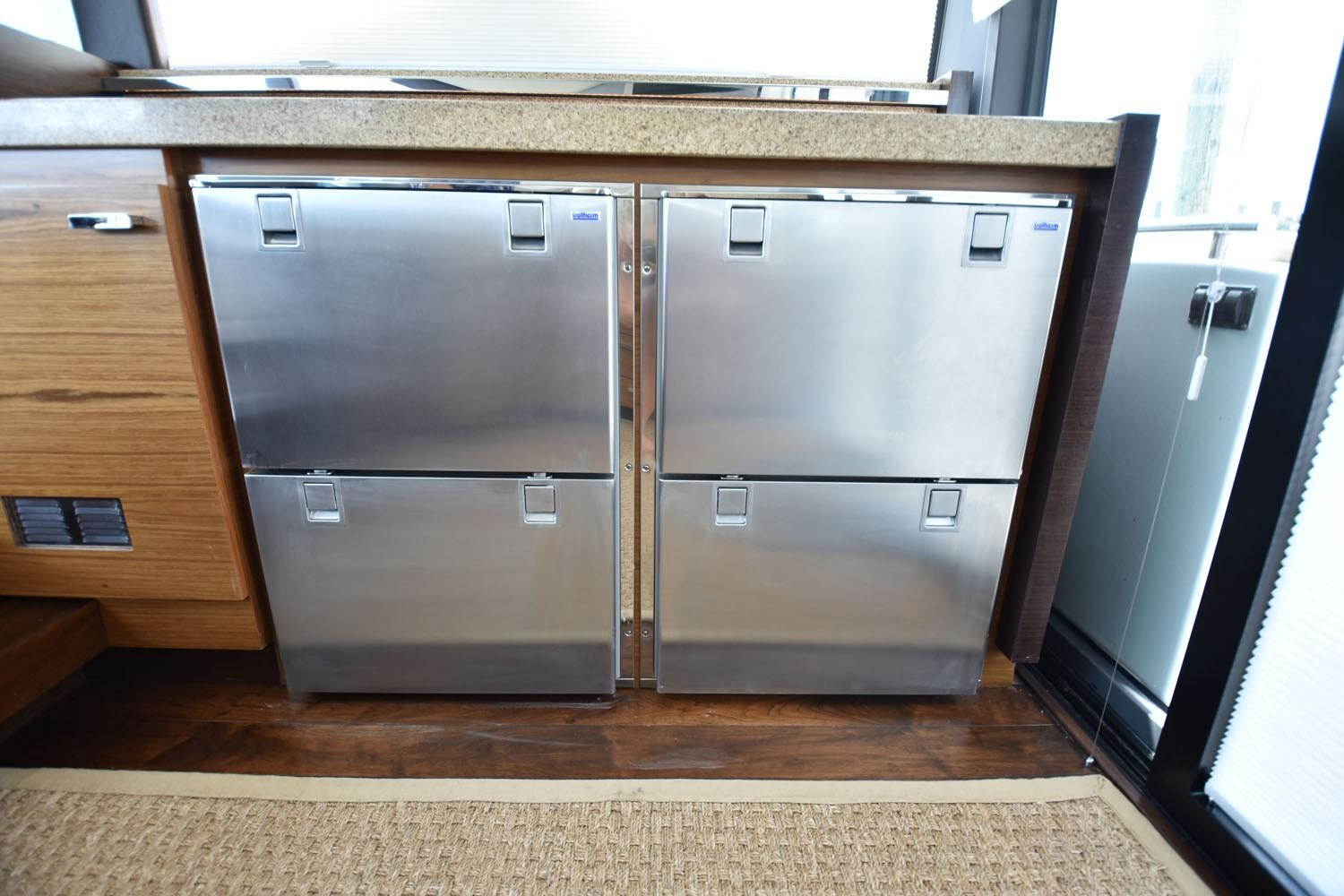 2014 Tiara 5000 Coupe Galley Equipment