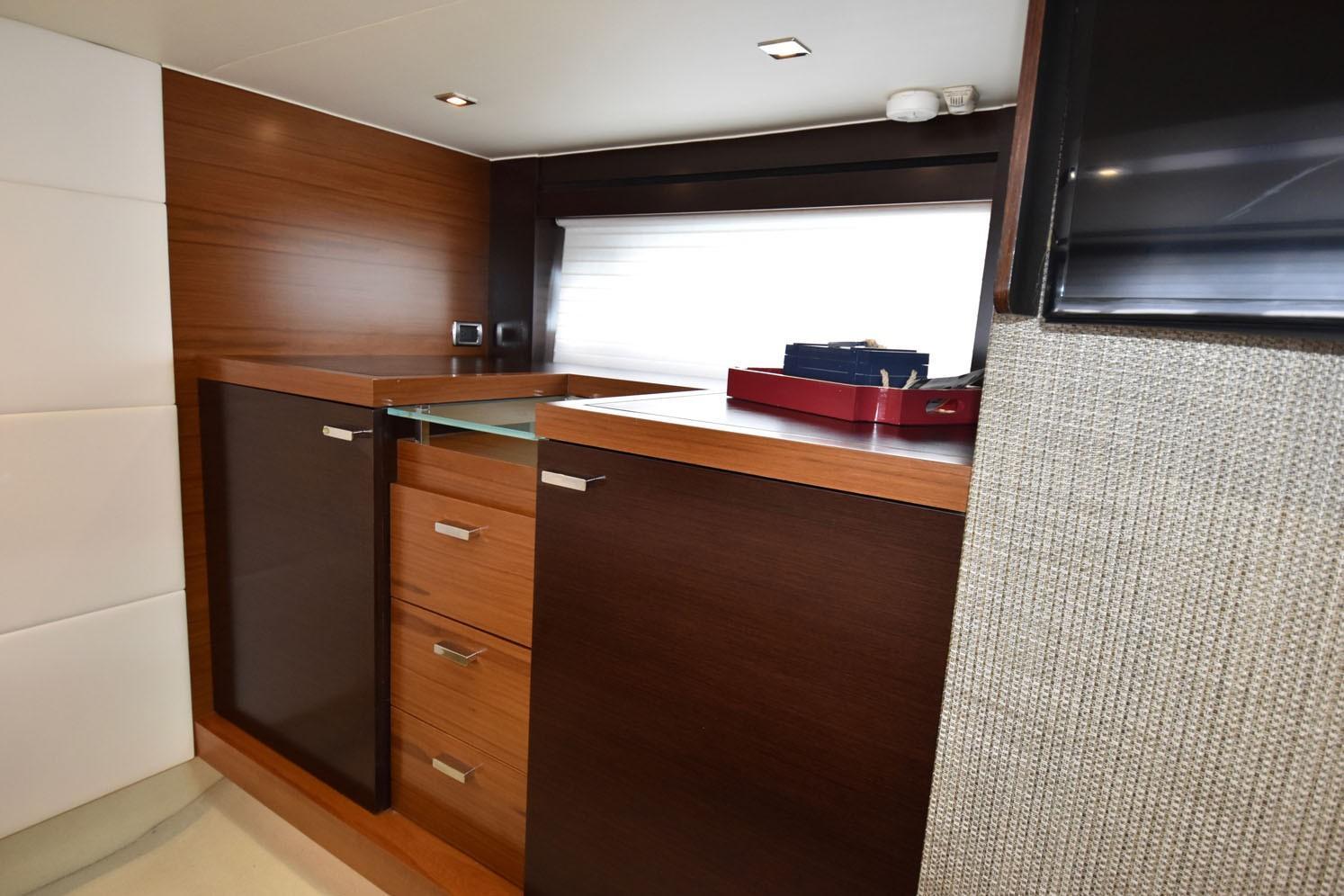 2014 Tiara 5000 Coupe Master Stateroom