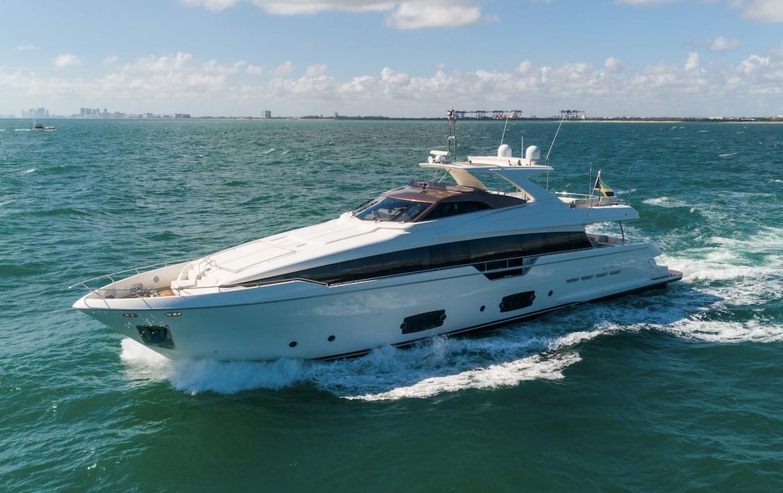 2014 Ferretti Yachts 960