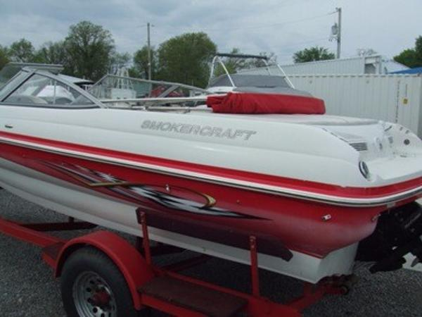 2005 Smoker Craft boat for sale, model of the boat is 190 Bowrider & Image # 3 of 10