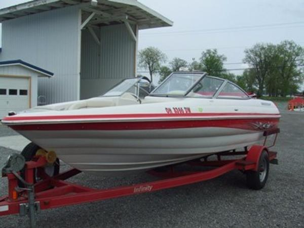 2005 Smoker Craft boat for sale, model of the boat is 190 Bowrider & Image # 4 of 10