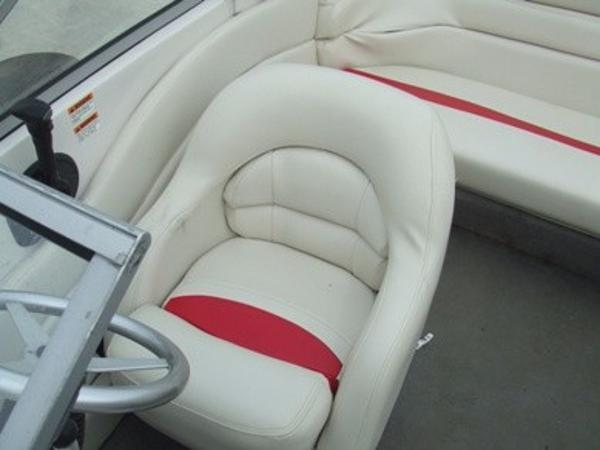 2005 Smoker Craft boat for sale, model of the boat is 190 Bowrider & Image # 9 of 10