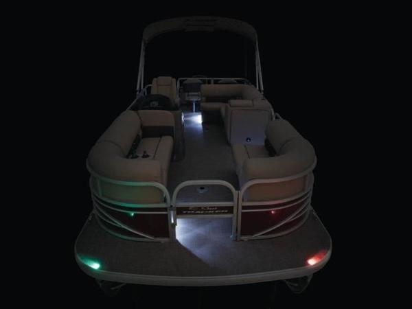2020 Sun Tracker boat for sale, model of the boat is SportFish™ 22 DLX & Image # 11 of 55