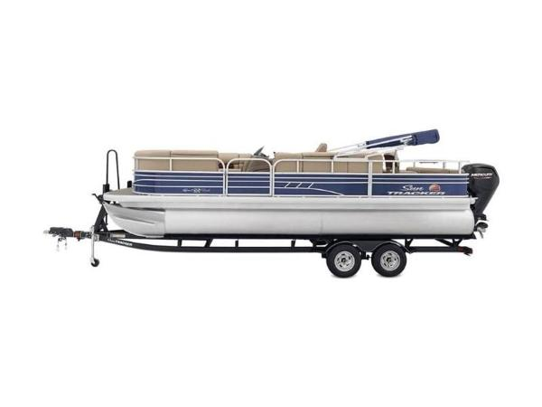 2020 Sun Tracker boat for sale, model of the boat is SportFish™ 22 DLX & Image # 24 of 55
