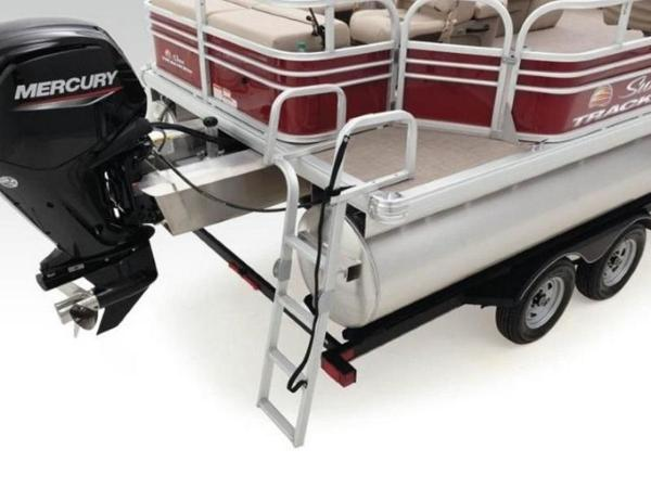 2020 Sun Tracker boat for sale, model of the boat is SportFish™ 22 DLX & Image # 40 of 55