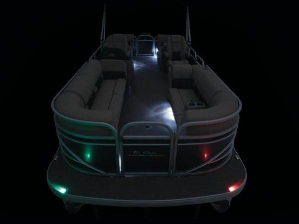 2020 Sun Tracker boat for sale, model of the boat is PARTY BARGE® 24 DLX & Image # 37 of 59
