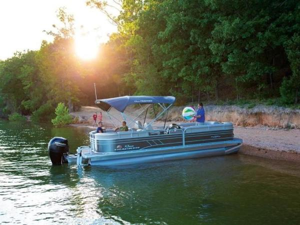 2020 Sun Tracker boat for sale, model of the boat is PARTY BARGE® 24 DLX & Image # 57 of 59