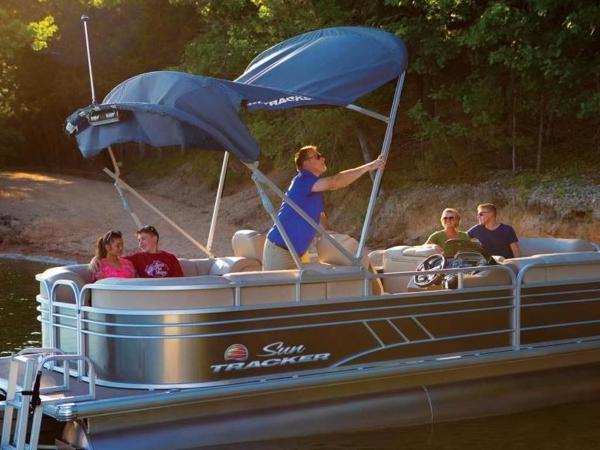 2020 Sun Tracker boat for sale, model of the boat is PARTY BARGE® 24 DLX & Image # 58 of 59