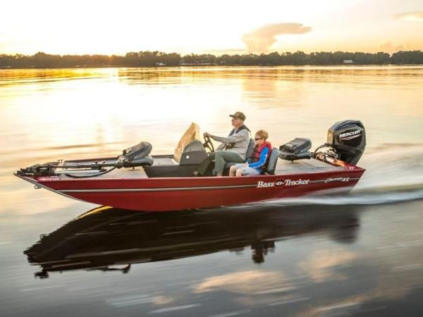 2020 Tracker Boats boat for sale, model of the boat is BASS TRACKER® Classic XL & Image # 2 of 37