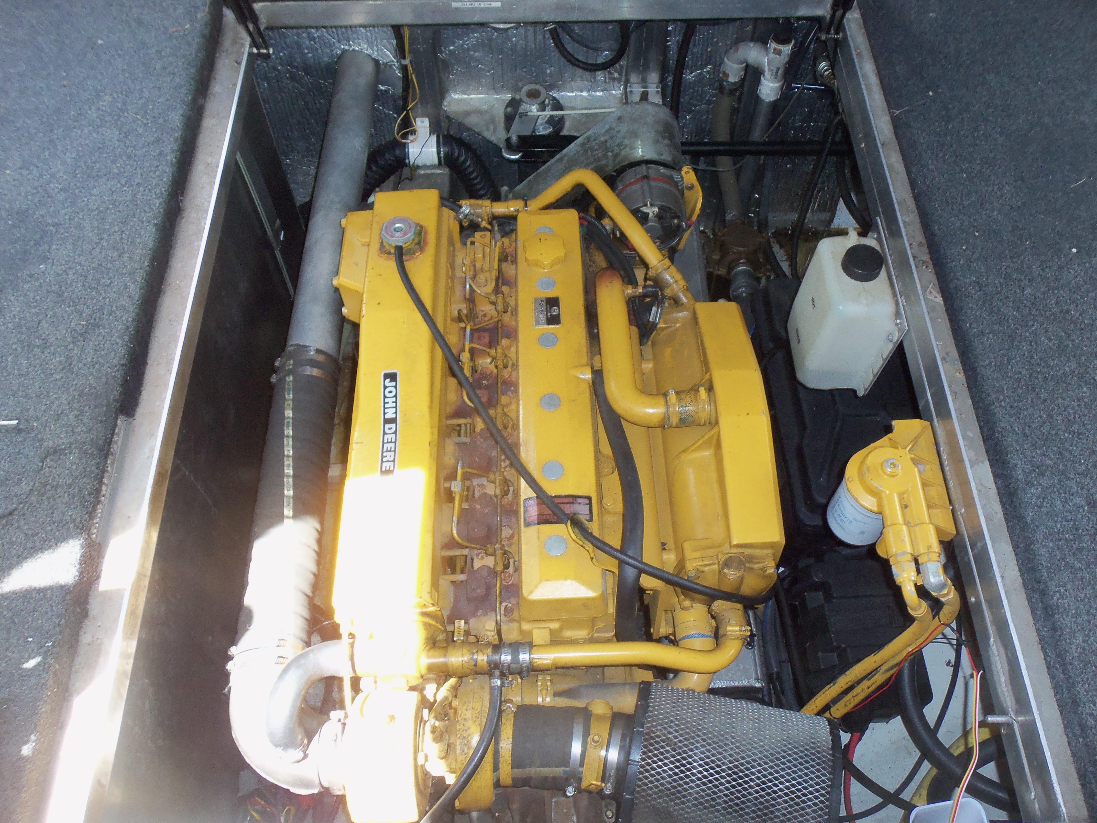 John Deere 300 hp Diesel Engines (900 hrs)