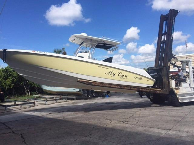 2008 Boston Whaler OUTRAGE
