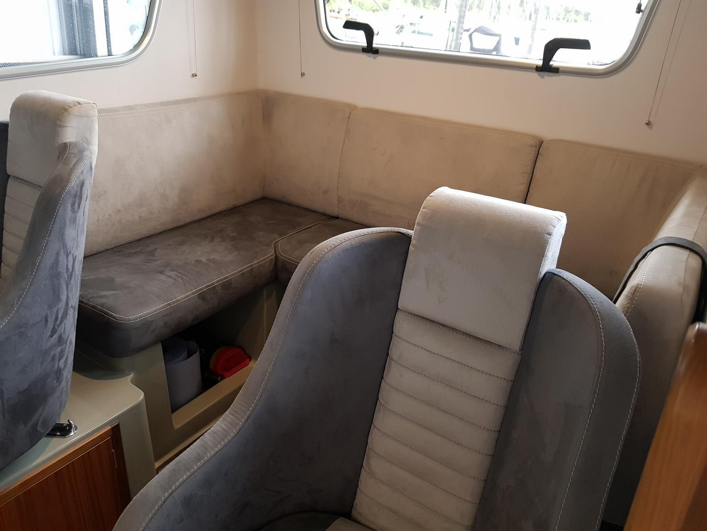 Sargo 25 Explorer - seating