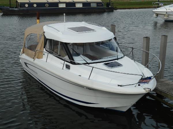 Beneteau Antares 7.80 with 150hp Ho...