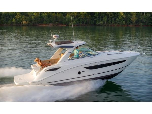 2020 Sea Ray boat for sale, model of the boat is Sundancer 350 & Image # 5 of 23
