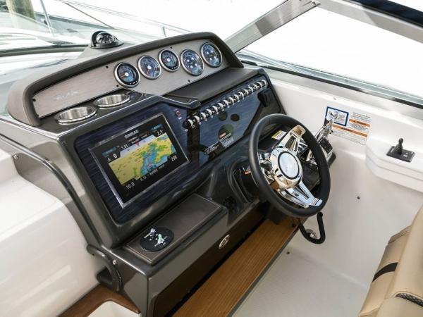 2020 Sea Ray boat for sale, model of the boat is Sundancer 350 & Image # 20 of 23