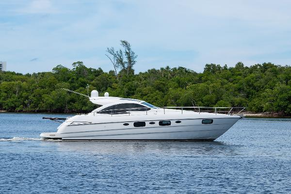 2013 50' Pershing 50 Sport Yacht