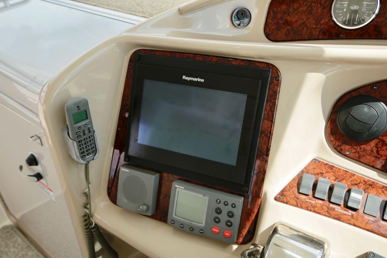 2004 Sea Ray 390 Motor Yacht