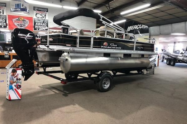 2021 Sun Tracker boat for sale, model of the boat is Bass Buggy 18 DLX & Image # 1 of 55