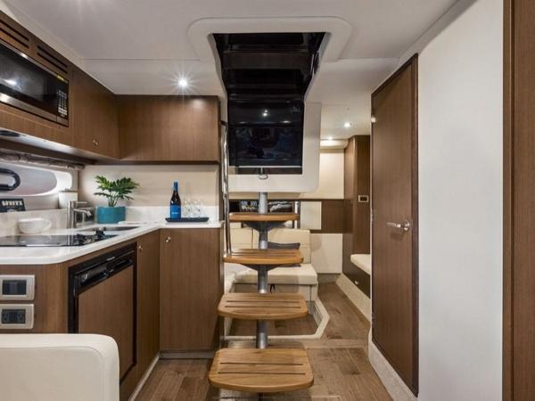 2020 Sea Ray boat for sale, model of the boat is Sundancer 350 Coupe & Image # 9 of 27