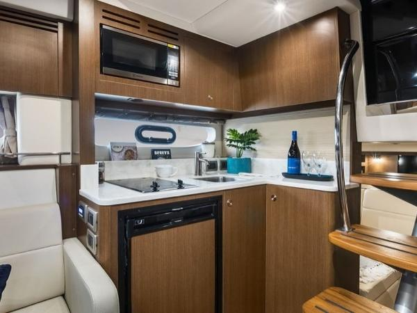 2020 Sea Ray boat for sale, model of the boat is Sundancer 350 Coupe & Image # 14 of 27