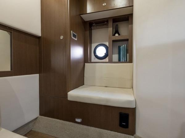 2020 Sea Ray boat for sale, model of the boat is Sundancer 350 Coupe & Image # 27 of 27