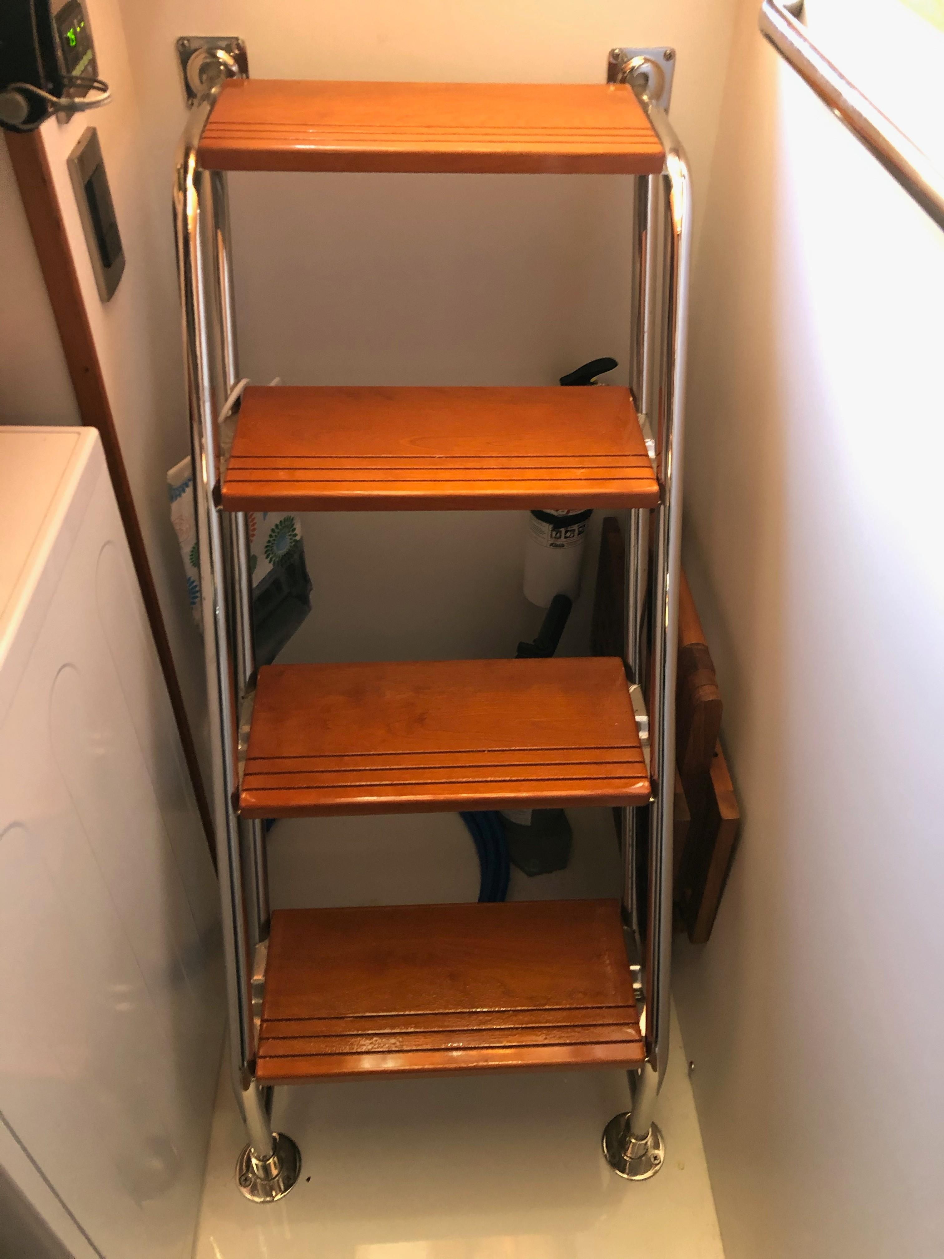 48 ft Sabre 48 Salon Express Stairs to Crew Quarters