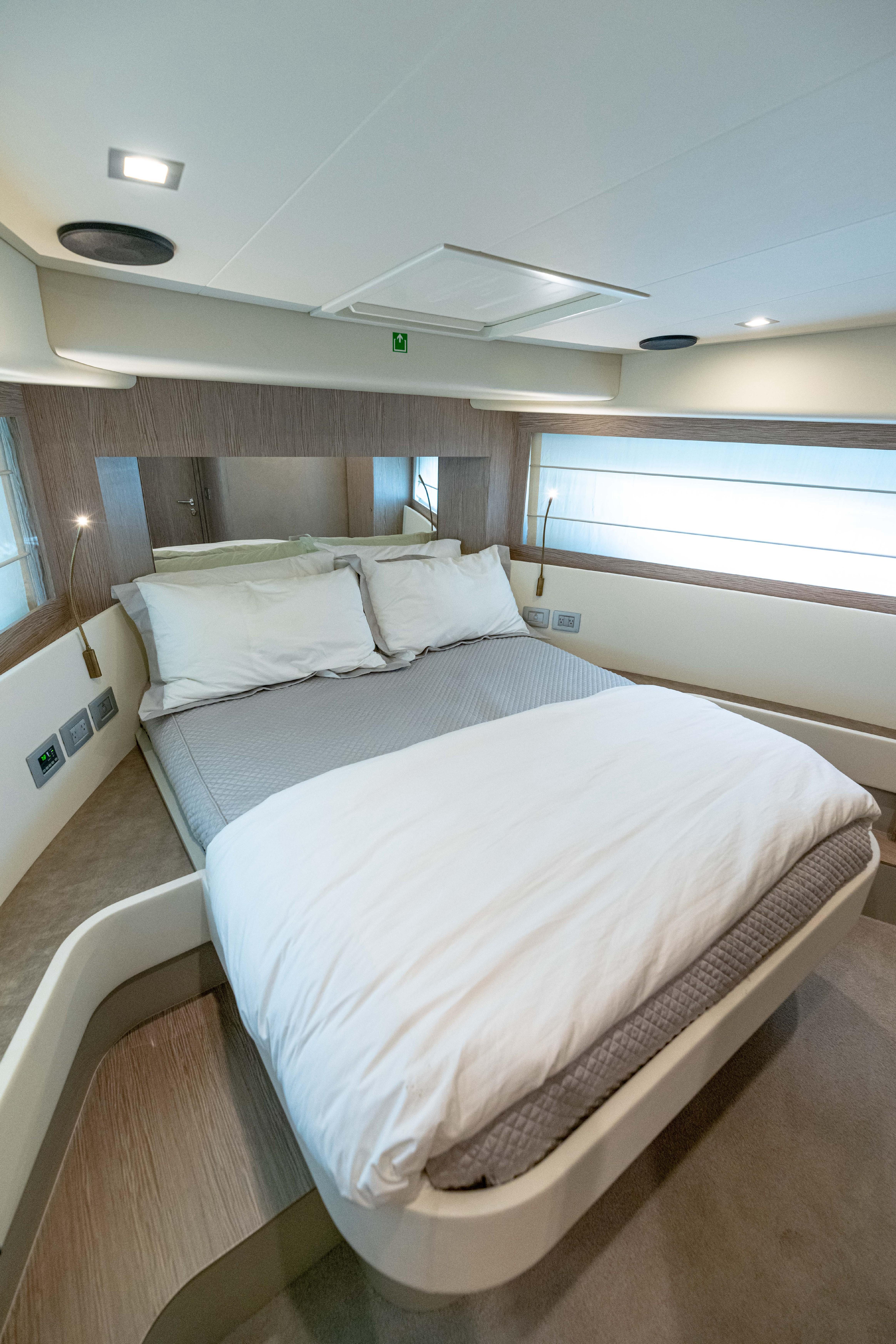 Ferretti 650 - VIP Stateroom