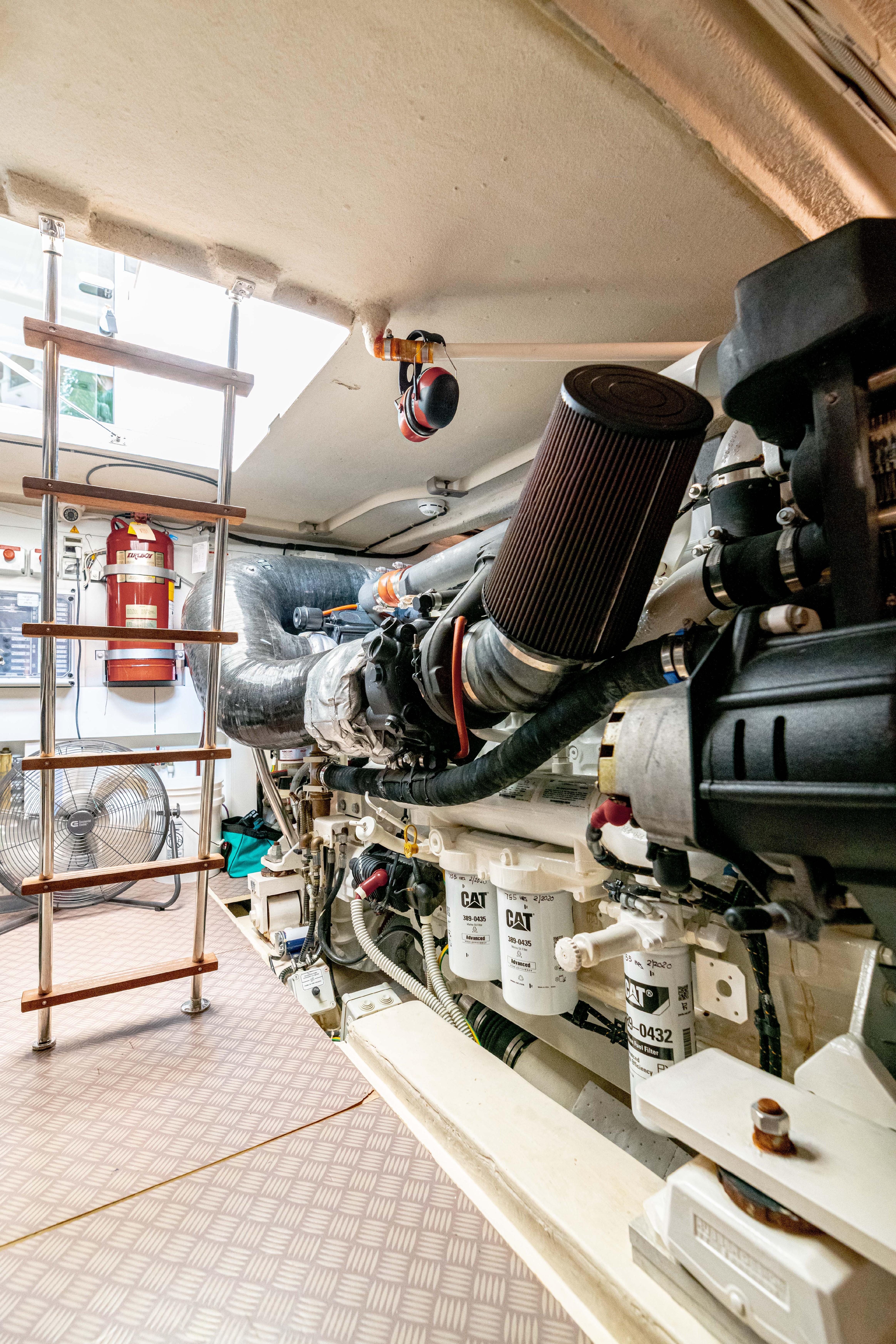 Ferretti 650 - Engine Room