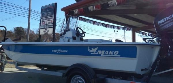 2018 Mako boat for sale, model of the boat is Pro Skiff 17 CC & Image # 1 of 11
