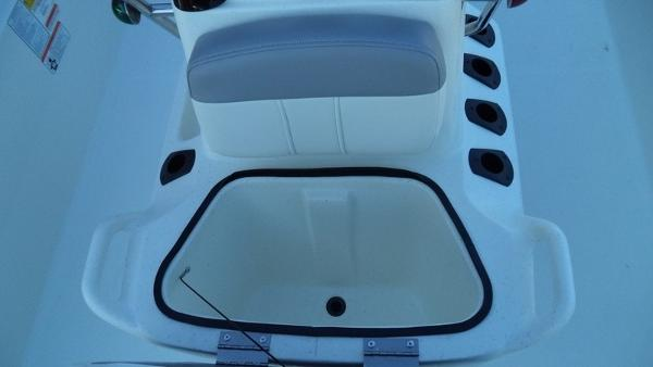 2018 Mako boat for sale, model of the boat is Pro Skiff 17 CC & Image # 8 of 11