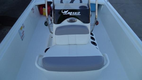 2018 Mako boat for sale, model of the boat is Pro Skiff 17 CC & Image # 9 of 11