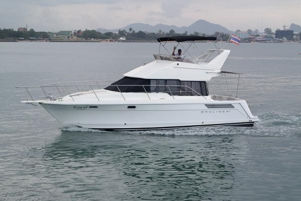 38 Flybridge Power boat-5643