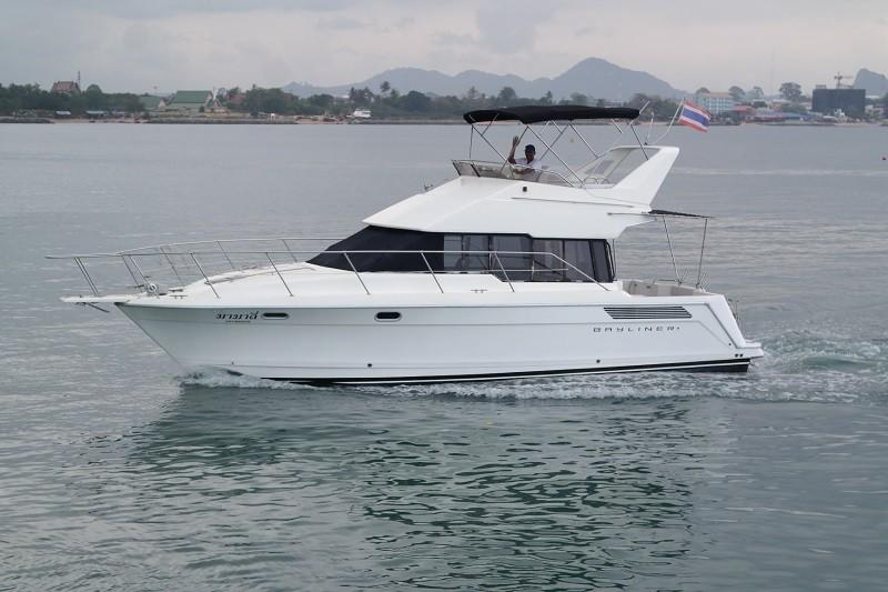 38 Flybridge Power boat-1