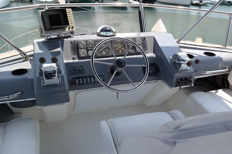 38 Flybridge Power boat-12