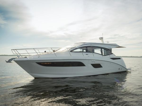 2020 Sea Ray boat for sale, model of the boat is Sundancer 400 & Image # 1 of 26