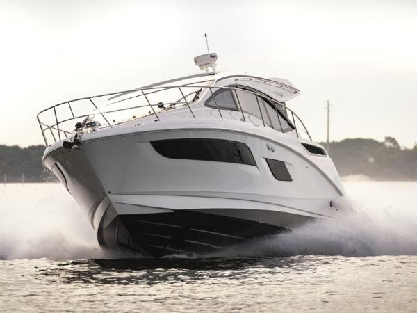 2020 Sea Ray boat for sale, model of the boat is Sundancer 400 & Image # 10 of 26