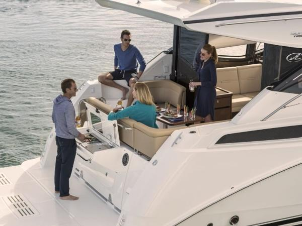 2020 Sea Ray boat for sale, model of the boat is Sundancer 400 & Image # 15 of 26