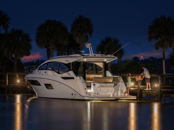 2020 Sea Ray boat for sale, model of the boat is Sundancer 400 & Image # 21 of 26