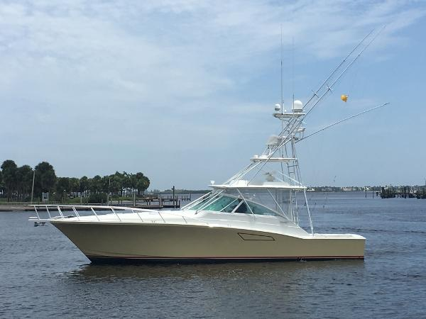 2006 45' Cabo 45 Open