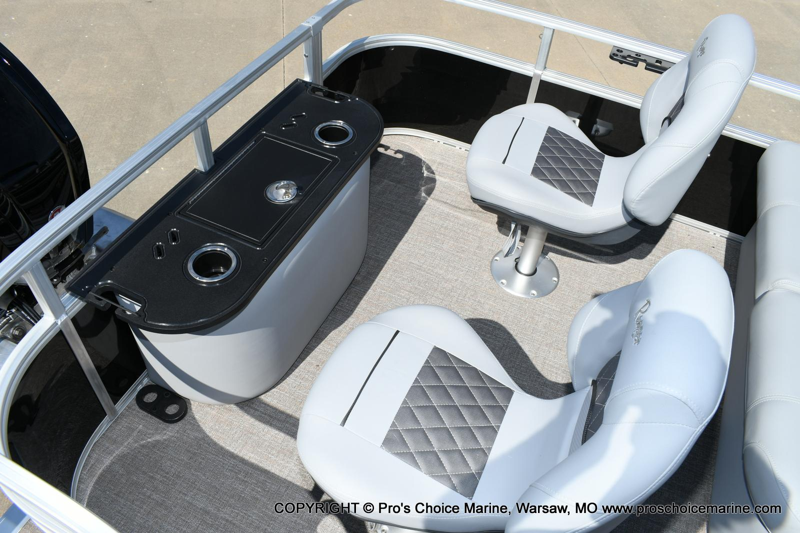 2020 Ranger Boats boat for sale, model of the boat is 220F & Image # 12 of 50