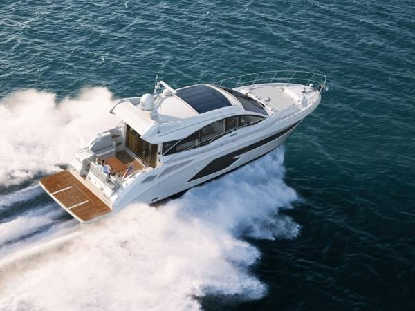 2020 Sea Ray boat for sale, model of the boat is Sundancer 520 & Image # 12 of 14