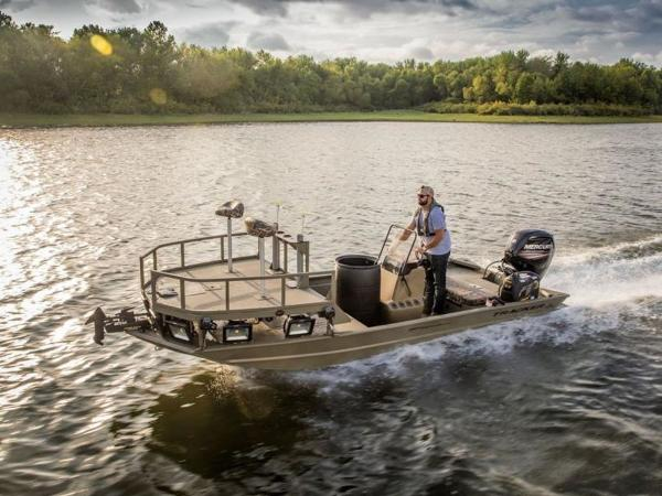 2020 Tracker Boats boat for sale, model of the boat is GRIZZLY® 1860 CC Sportsman & Image # 2 of 37