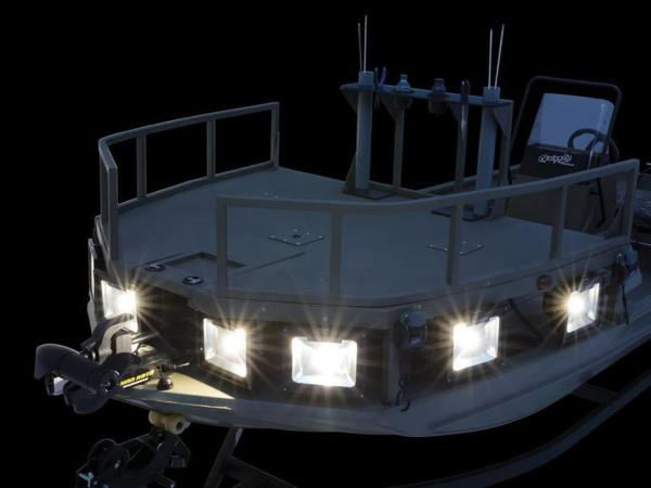 2020 Tracker Boats boat for sale, model of the boat is GRIZZLY® 1860 CC Sportsman & Image # 28 of 37