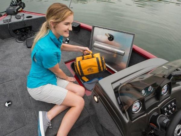 2020 Tracker Boats boat for sale, model of the boat is Pro Guide™ V-175 SC & Image # 23 of 52