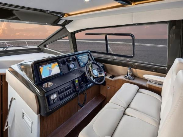 2020 Sea Ray boat for sale, model of the boat is Sundancer 460 & Image # 9 of 21