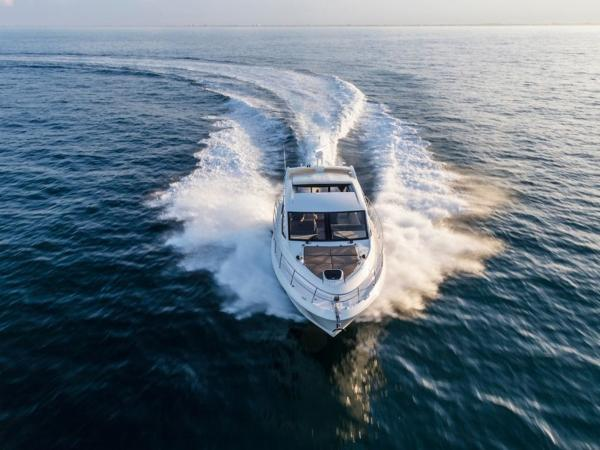 2020 Sea Ray boat for sale, model of the boat is Sundancer 460 & Image # 10 of 21