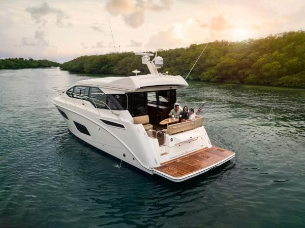 2020 Sea Ray boat for sale, model of the boat is Sundancer 460 & Image # 15 of 21