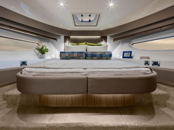 2020 Sea Ray boat for sale, model of the boat is Sundancer 460 & Image # 21 of 21