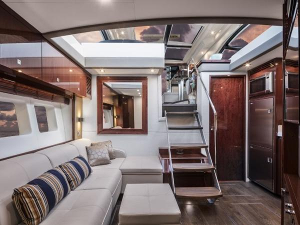 2020 Sea Ray boat for sale, model of the boat is Sundancer 510 & Image # 13 of 18